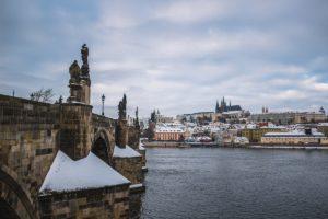 Pohled na Pražský hrad v zimě
